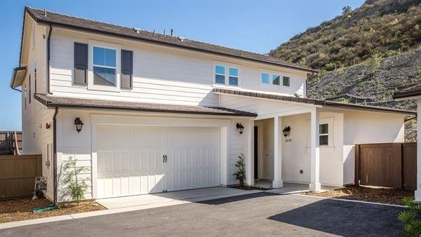 2670 Overlook Point Dr, Escondido, CA 92029