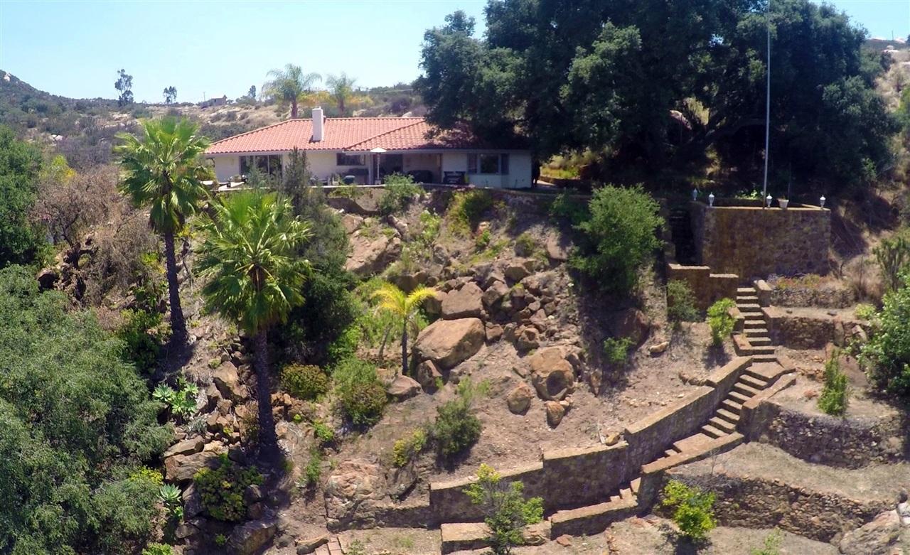 15905 Viewside Lane, El Cajon, CA 92021