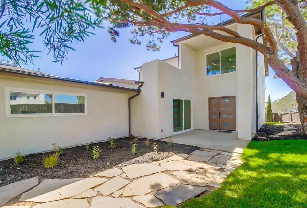 13796 Nogales Drive, Del Mar, CA 92014