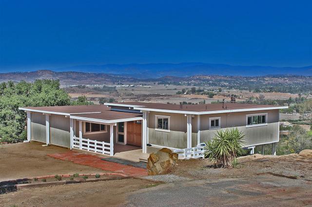 19415 Split Rock, Ramona, CA 92065