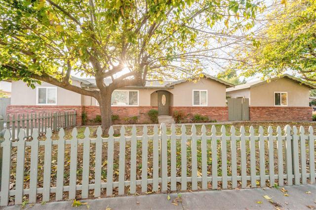 949 Goldenrod St, Escondido, CA 92027