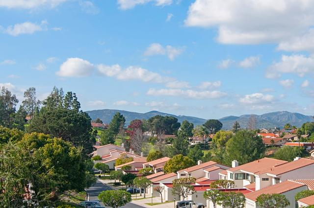 17806 Valle De Lobo Dr, Poway, CA 92064