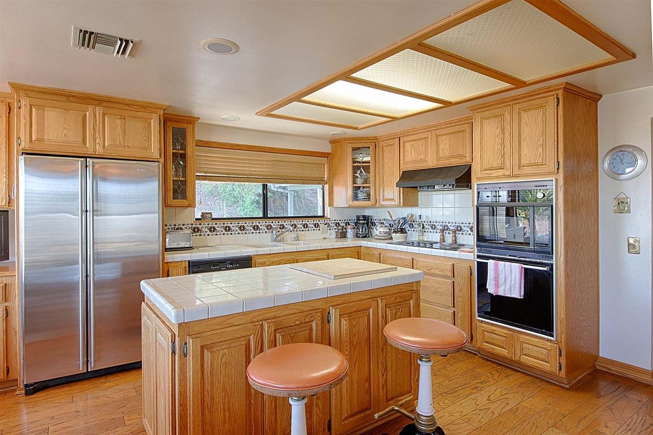 31888 Wrightwood Road, Bonsall, CA 92003
