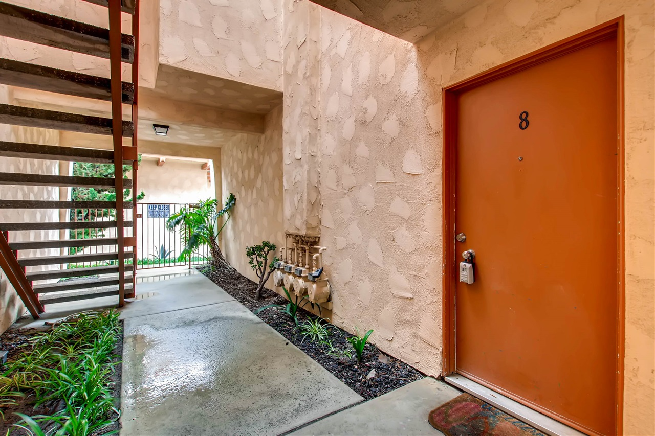 2929 Fire Mountain Drive #8, Oceanside, CA 92054