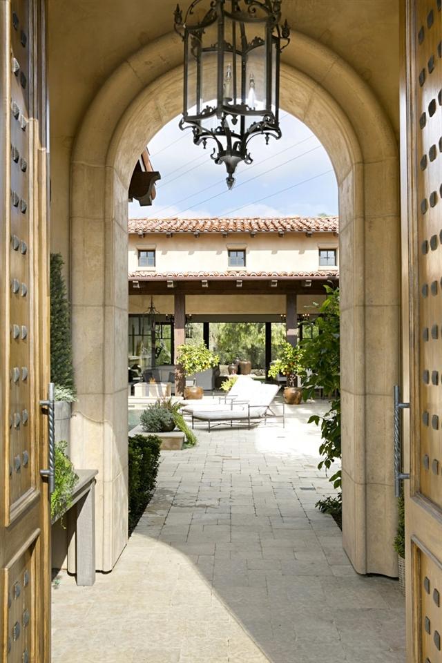 18512 Calle La Serra, Rancho Santa Fe, CA 92091