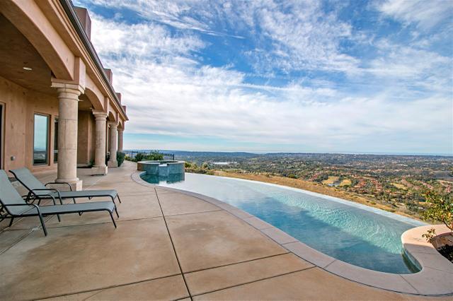 7708 Camino De Arriba, Rancho Santa Fe, CA 92067