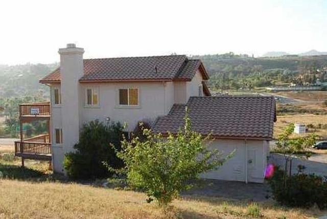 9545 Chimney Rock Ln, El Cajon, CA 92021
