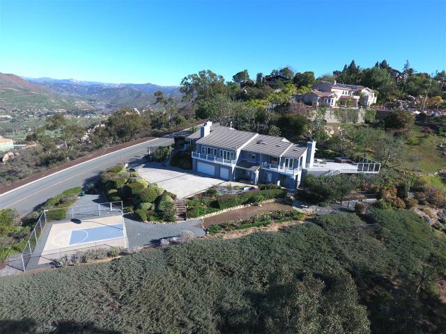1240 Vista Sierra Dr, El Cajon, CA 92019