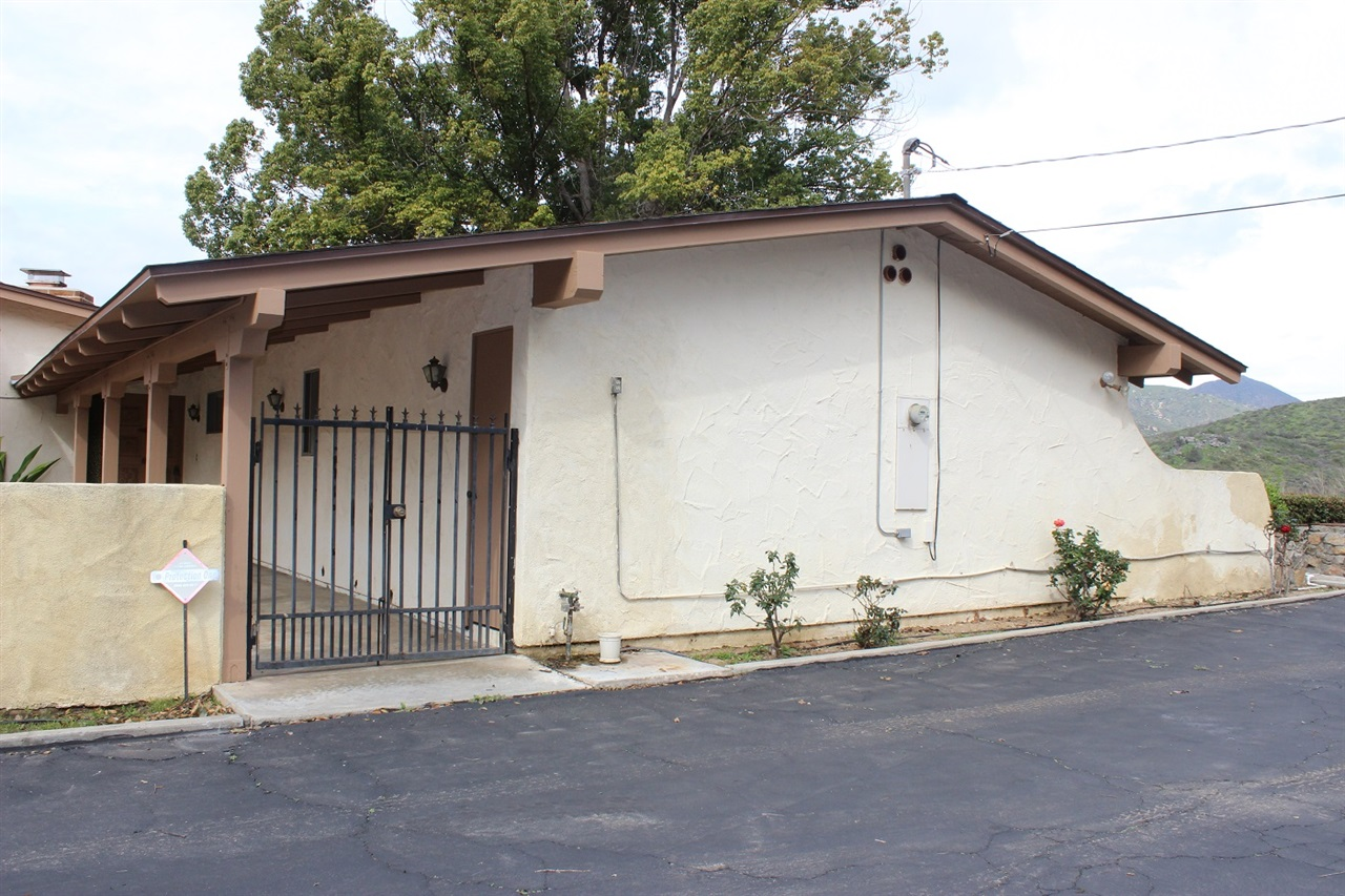 33780 Double Canyon Road, Valley Center, CA 92082
