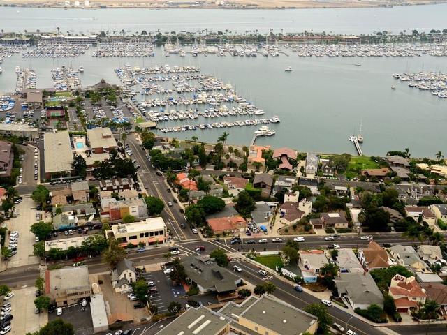 3011 Talbot St, San Diego, CA 92106