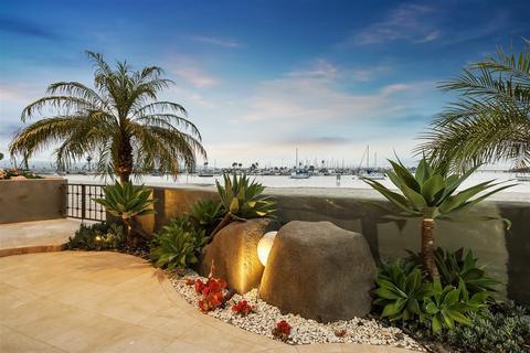 3386 Bayside Walk, San Diego, CA 92109