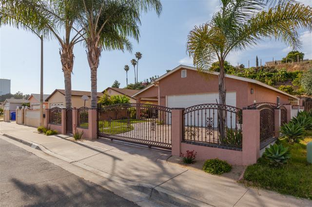 7098 Brookhaven Rd, San Diego, CA 92114