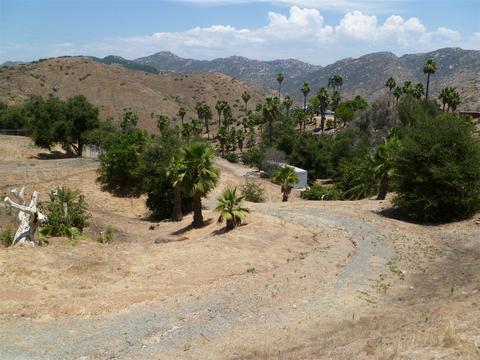 2680 Canyon Crest Dr #N/A, Escondido, CA 92027