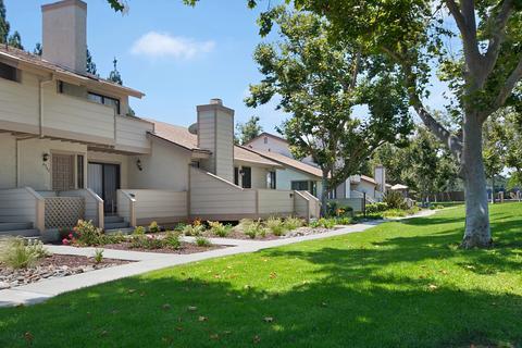 4541 Chateau Dr, San Diego, CA 92117