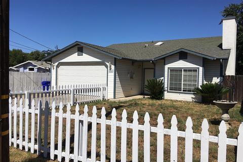 1925 Raymond Ave, Ramona, CA 92065