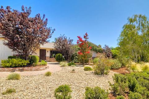 884 Red Hill Ln, San Marcos, CA 92069