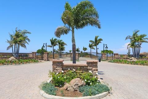 2418 Panoramic Way #4, Vista, CA 92084