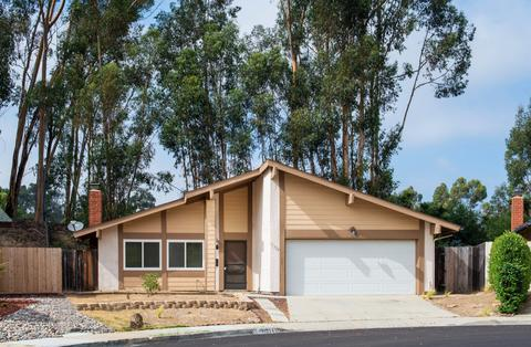 11324 Vista La Cuesta Dr, San Diego, CA 92131