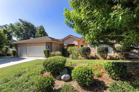 927 Cookie Ln, Fallbrook, CA 92028