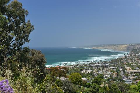 7595 Hillside Dr #1, La Jolla, CA 92037
