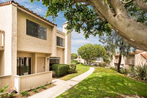 707 Copper Dr, Vista, CA 92083