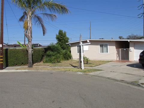 4895 Barstow St, San Diego, CA 92117