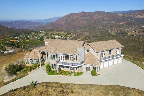 19450 Paradise Mtn, Valley Center, CA 92082