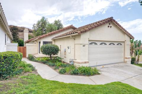 837 Huckleberry Ln, Escondido, CA 92025