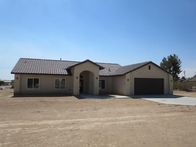 15818 St Timothy Rd, Apple Valley, CA 92307