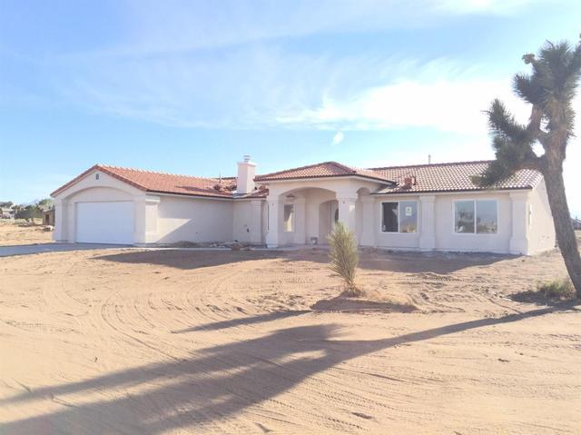 9380 Aster Rd, Oak Hills, CA 92344