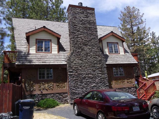 2103 Outer Hwy 2 S, Wrightwood, CA 92397