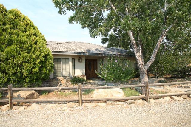 1074 Tamarack Rd, Pinon Hills, CA 92372