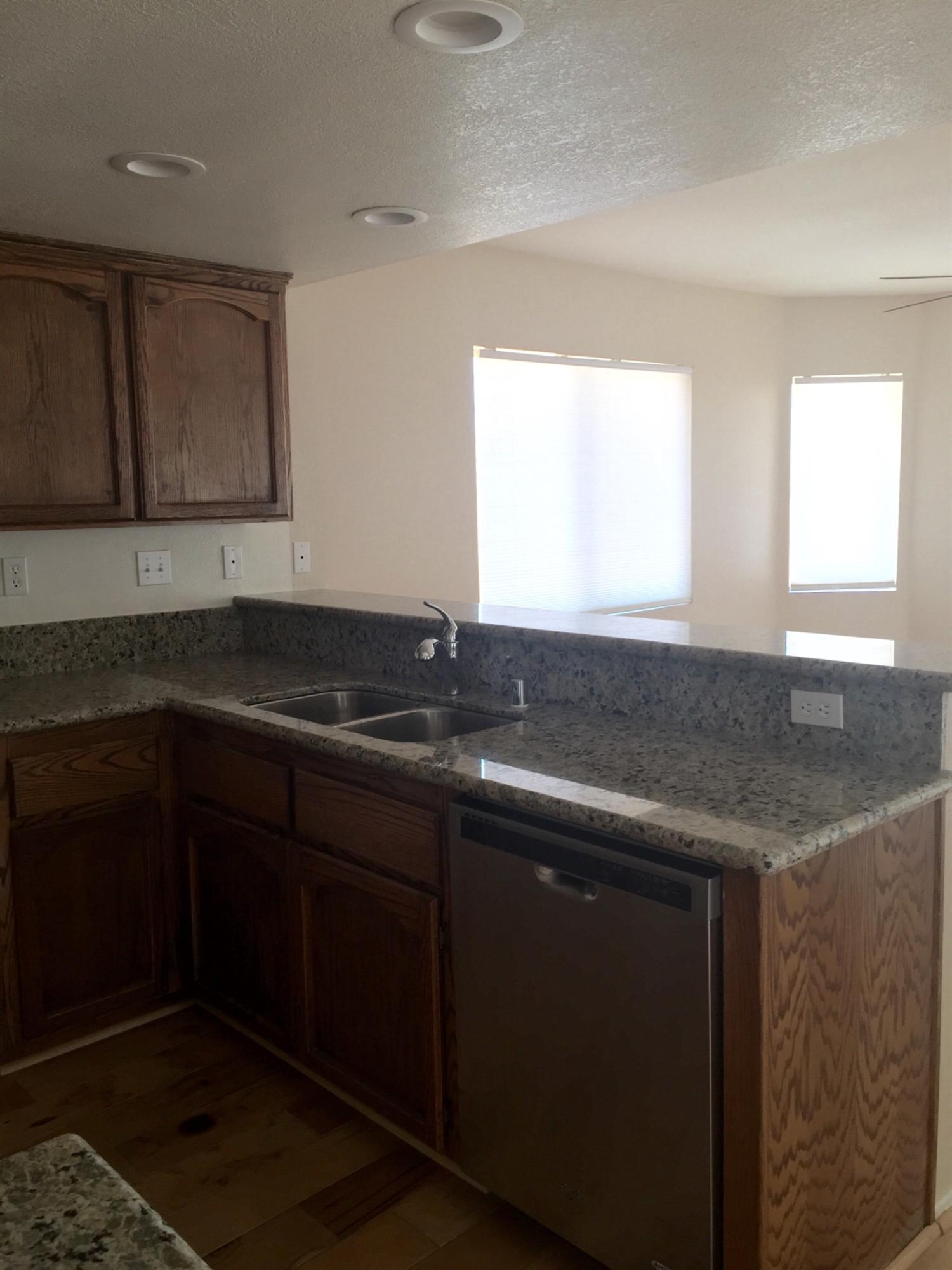 22474 South Road, Apple Valley, CA 92307