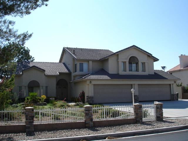12730 Mar Vista Dr, Apple Valley, CA 92308