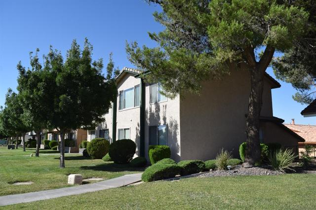 27535 Lakeview Dr #1, Helendale, CA 92342