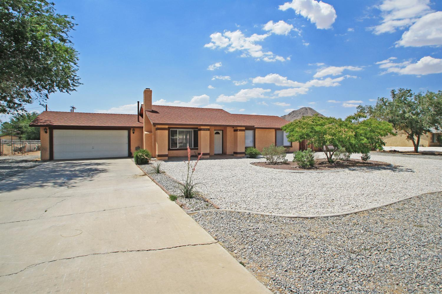 15816 Wichita Road, Apple Valley, CA 92307