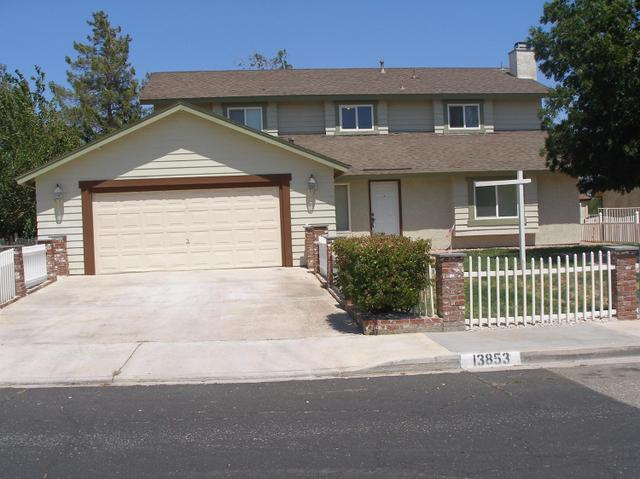 13853 Oakmont Dr, Victorville, CA 92392
