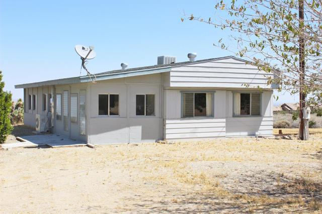 1528 Locust Rd, Pinon Hills, CA 92372