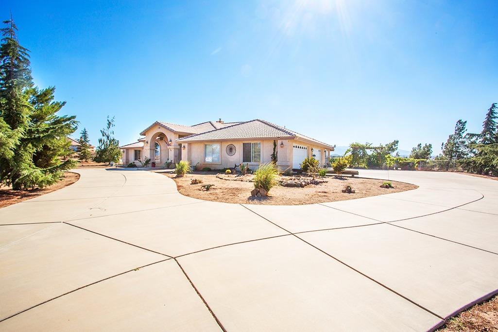 6232 Coriander Drive, Oak Hills, CA 92344