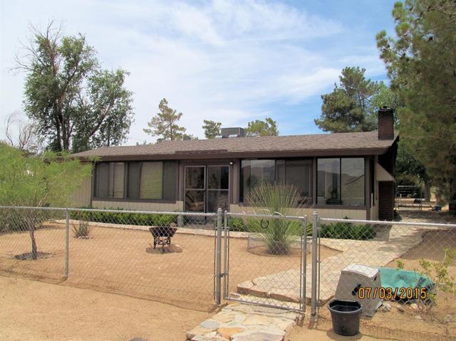 25775 Desert View Ave, Apple Valley, CA 92308