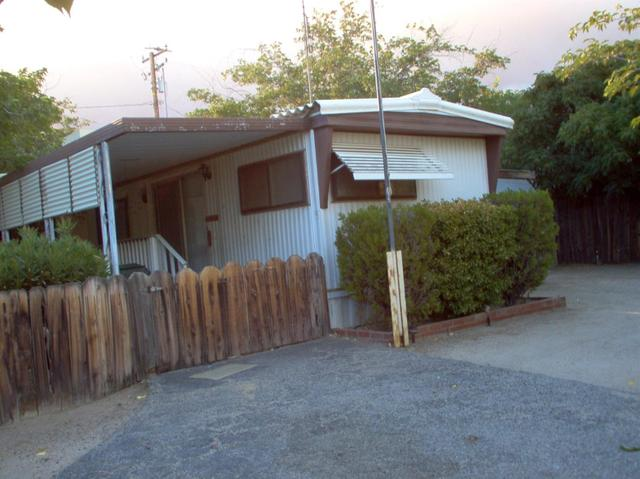 8274 Arrowhead Lake Rd, Hesperia, CA 92345