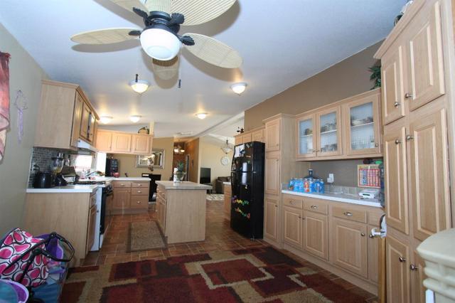 48646 Morgan Ln, Newberry Springs, CA 92365