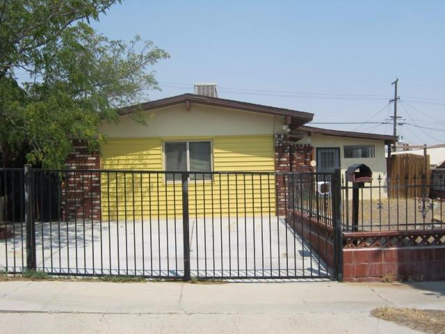 1013 E Elizabeth St, Barstow, CA 92311