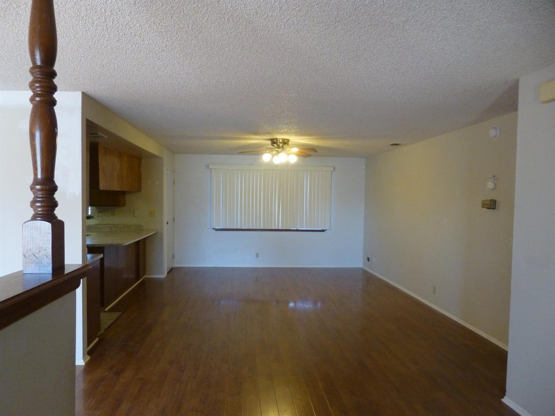 9203 Hickory Ave, Hesperia, CA 92345