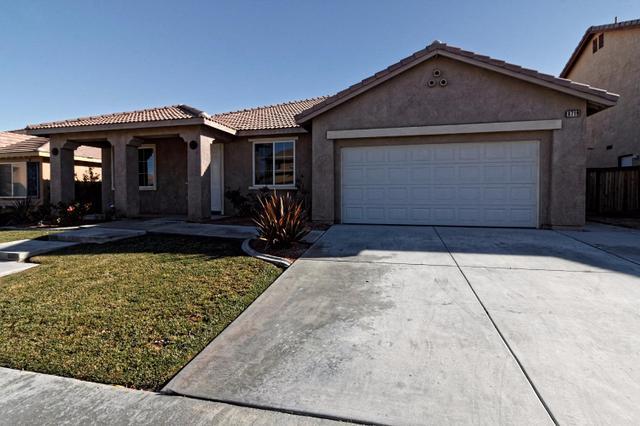 8719 San Jacinto Ave, Hesperia, CA 92344