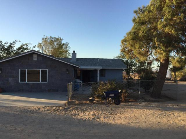 23476 Tussing Ranch Rd, Apple Valley, CA 92308