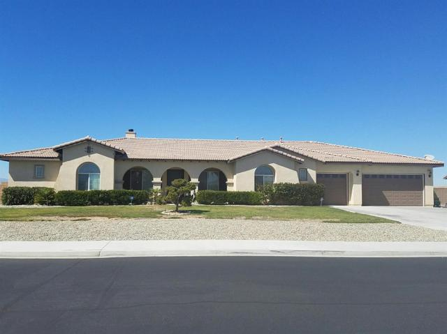 12324 Braeburn Rd, Apple Valley, CA 92308