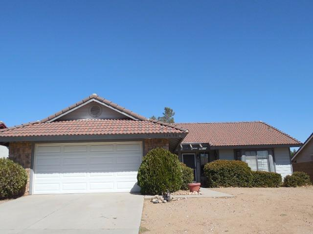 13456 Mountain Dr, Hesperia, CA 92344