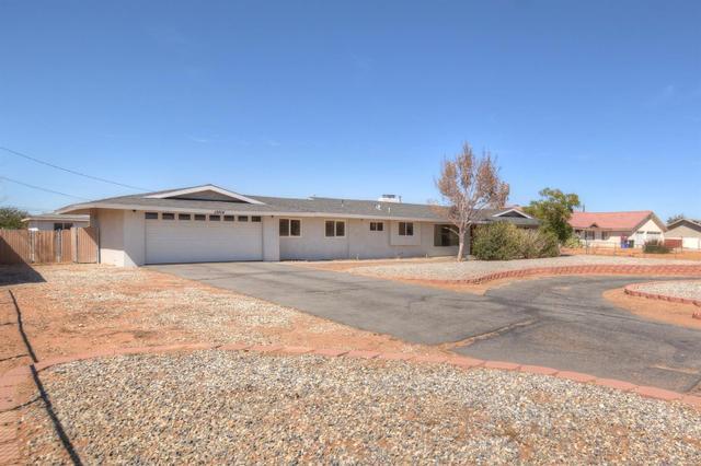 13814 Kiowa Rd, Apple Valley, CA 92307