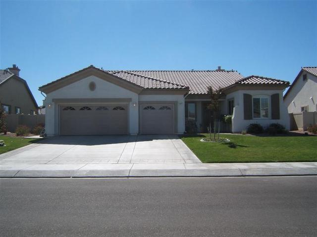 10857 Aster Ln, Apple Valley, CA 92308